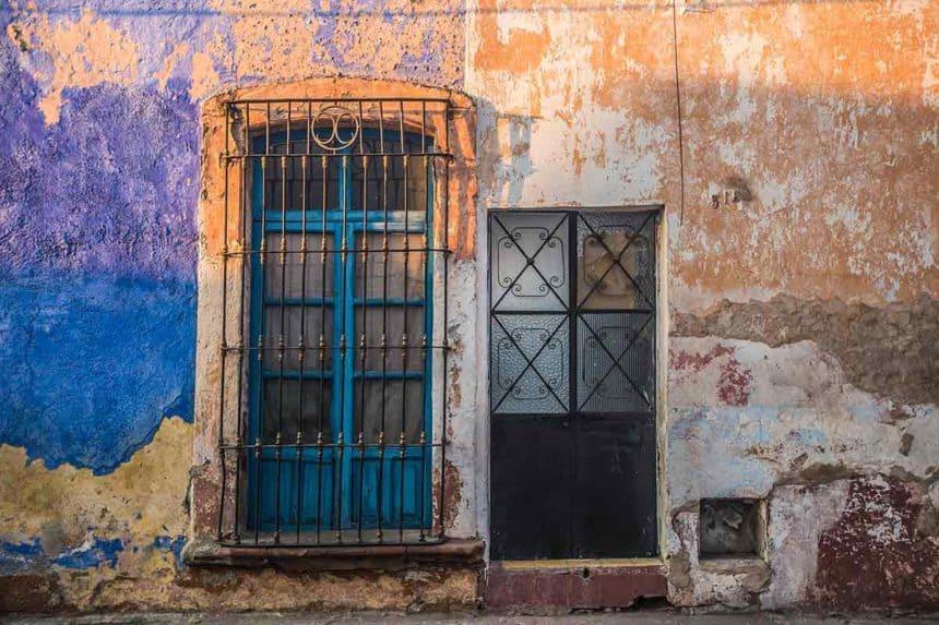 Queretaro doors