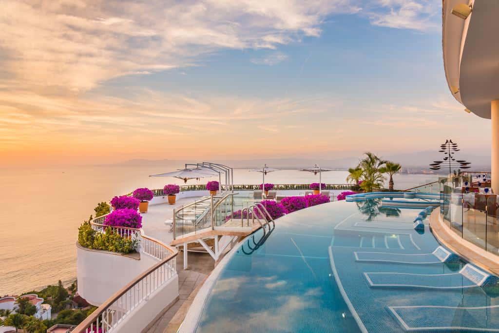 grand miramar luxury suites