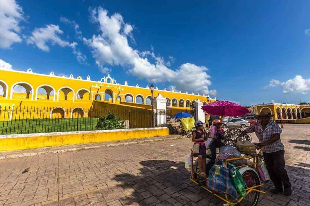 izamal yellow town