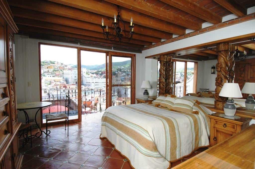 casa dionisio hotel room