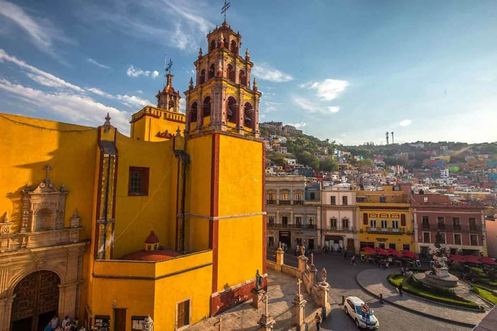guanajuato cathedral - how to get around in Mexico