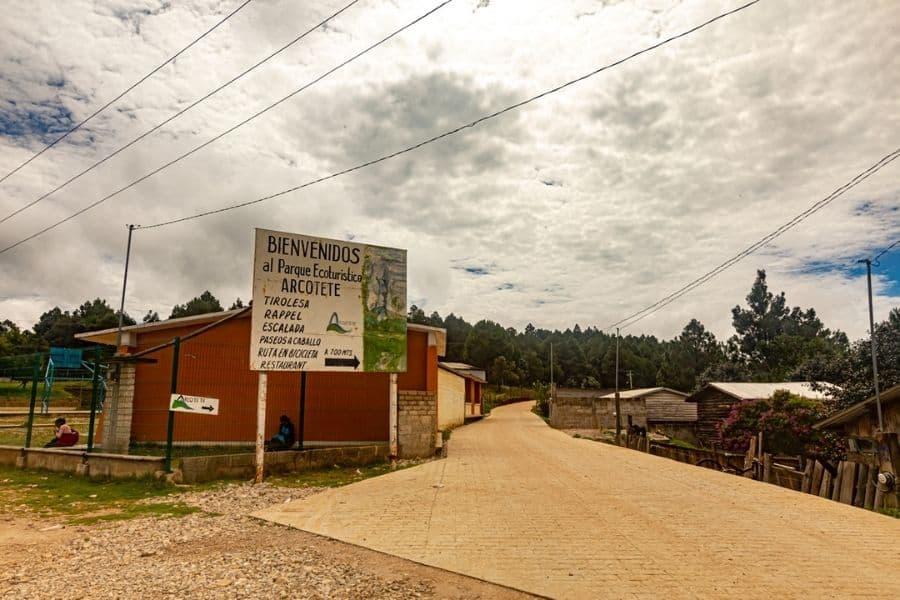 Arcotete entrance san cristobal