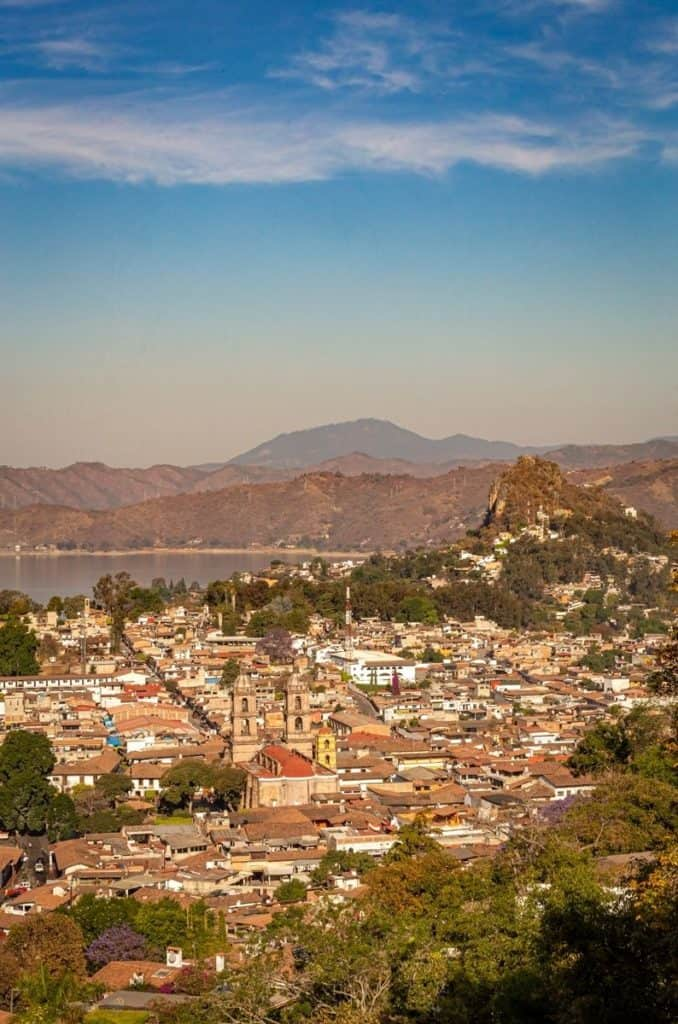 valle de bravo mexico pena parroquia