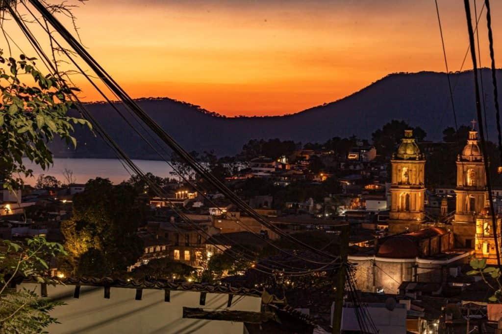 Valle de Bravo sunset over the city