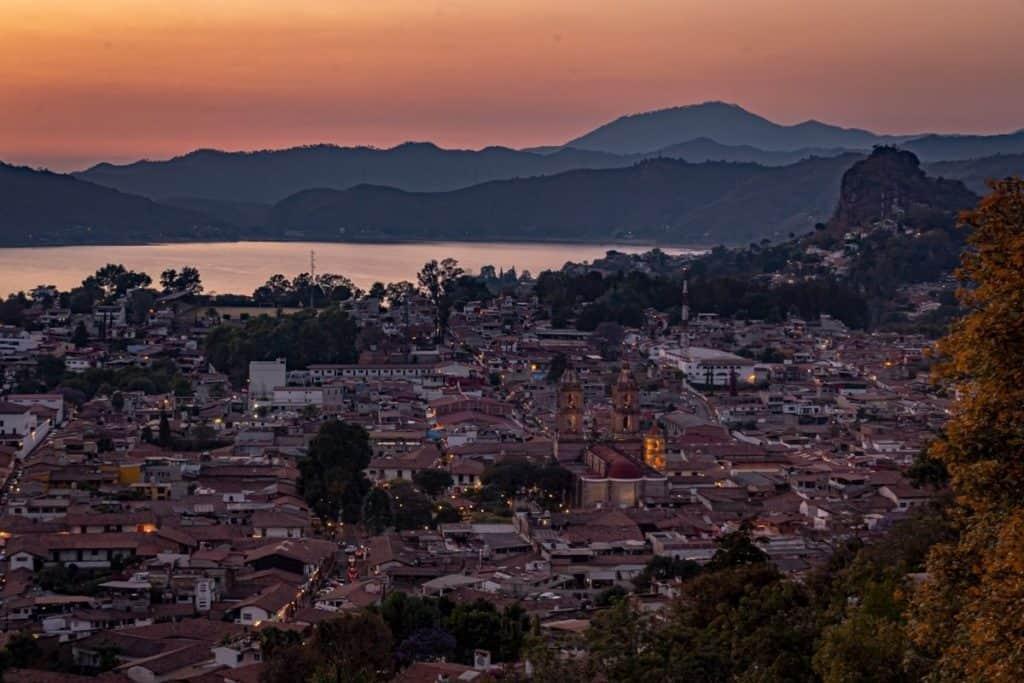 valle de bravo mexico sunset