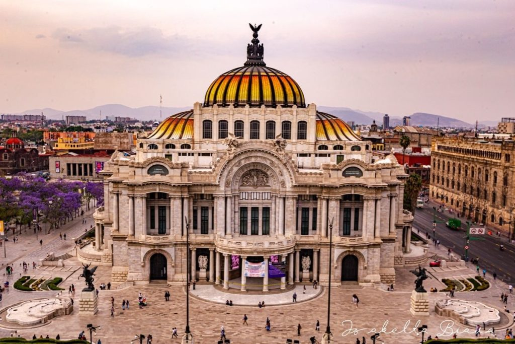 BELLAS ARTES BUILDING FRONT IN MEXICO CITY
