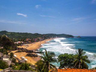 Playa Zipolite overview