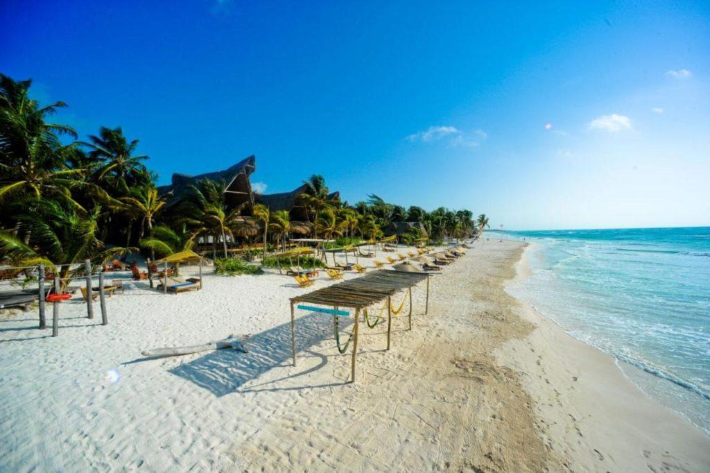 hotel ahau beach