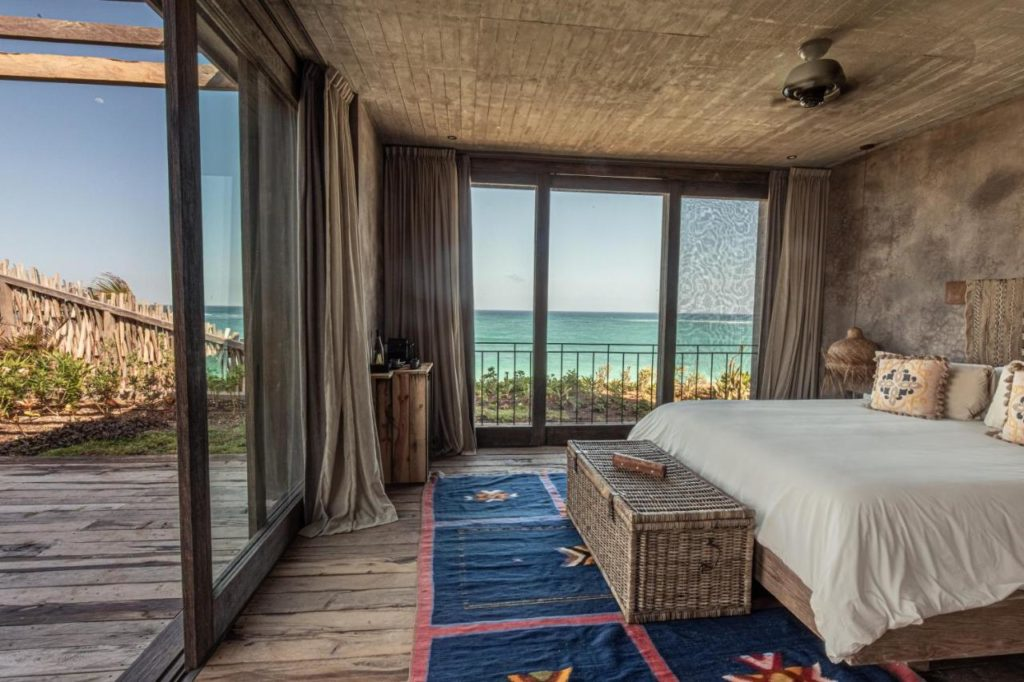 nomade hotel room with a view on the ocean