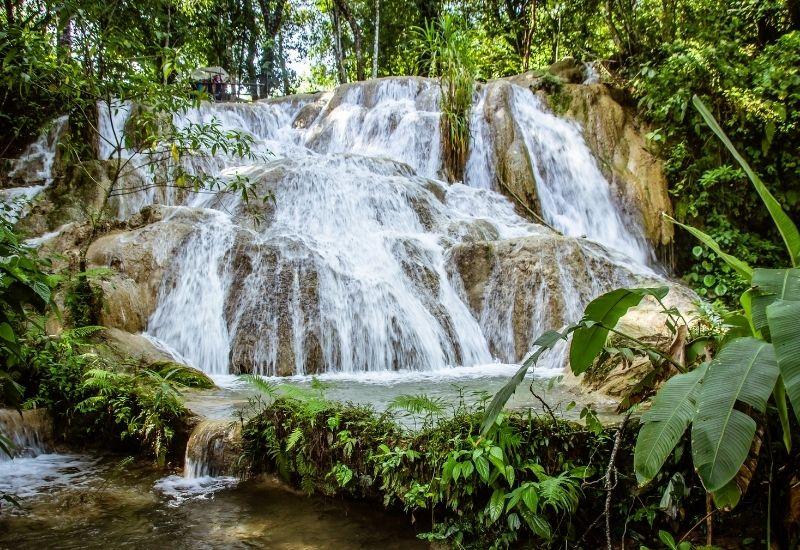 Agua Azul chiapas main waterfalls