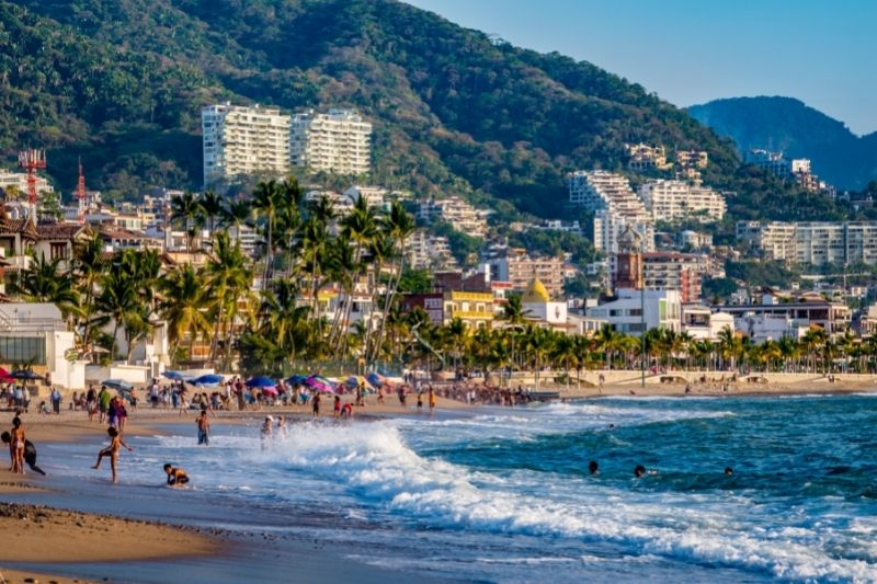 Puerto Vallarta crowded beach