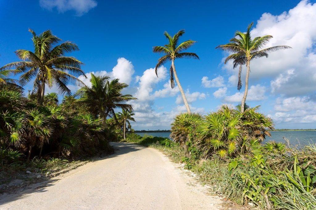 Siaan Ka'an beach  road