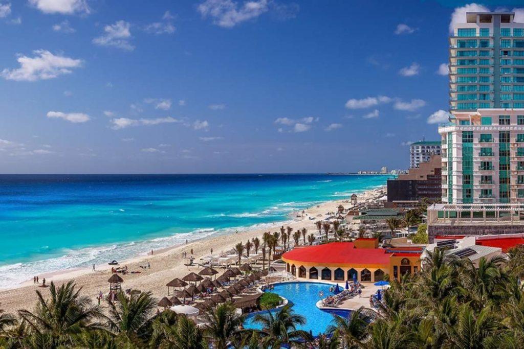 Cancun hotel beach