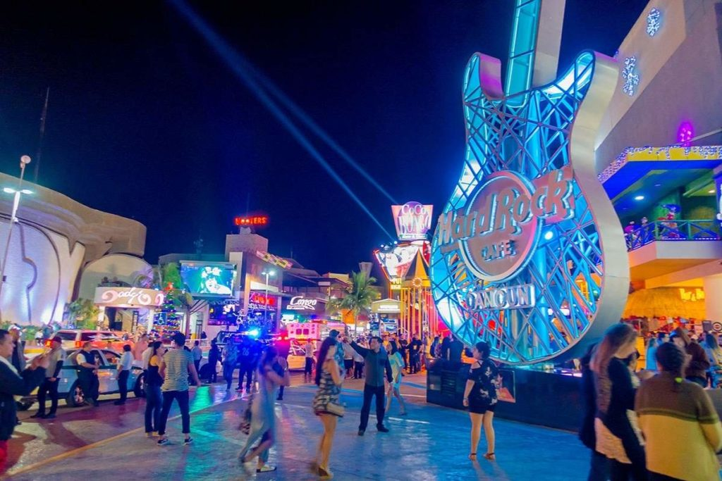 Cancun by night