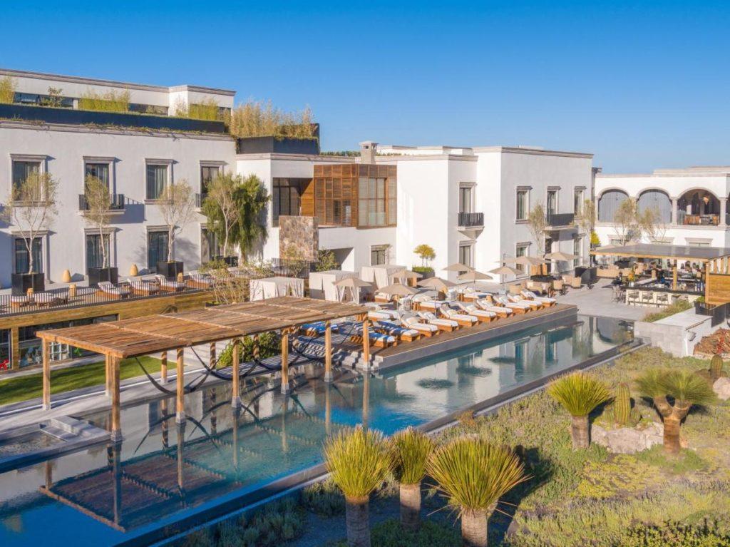 Live Aqua Hotel Pool