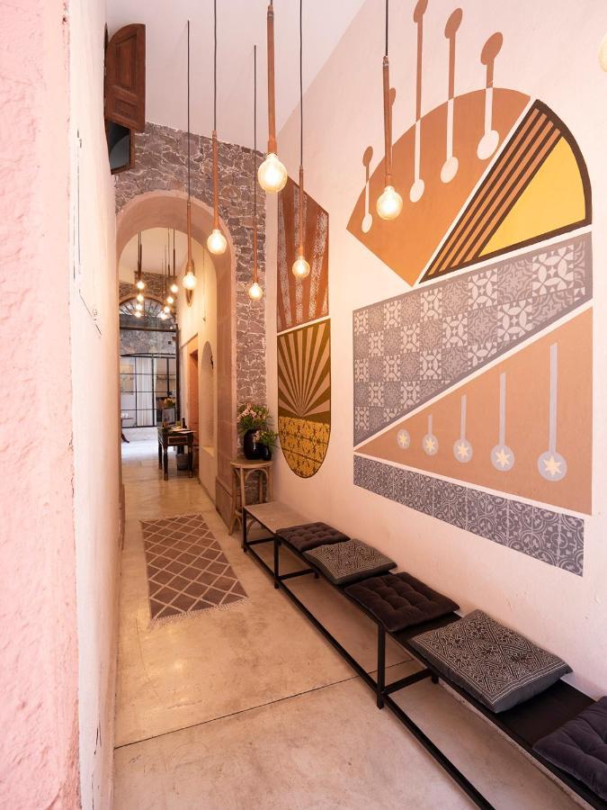 Hotel Maria Isabela Corridor