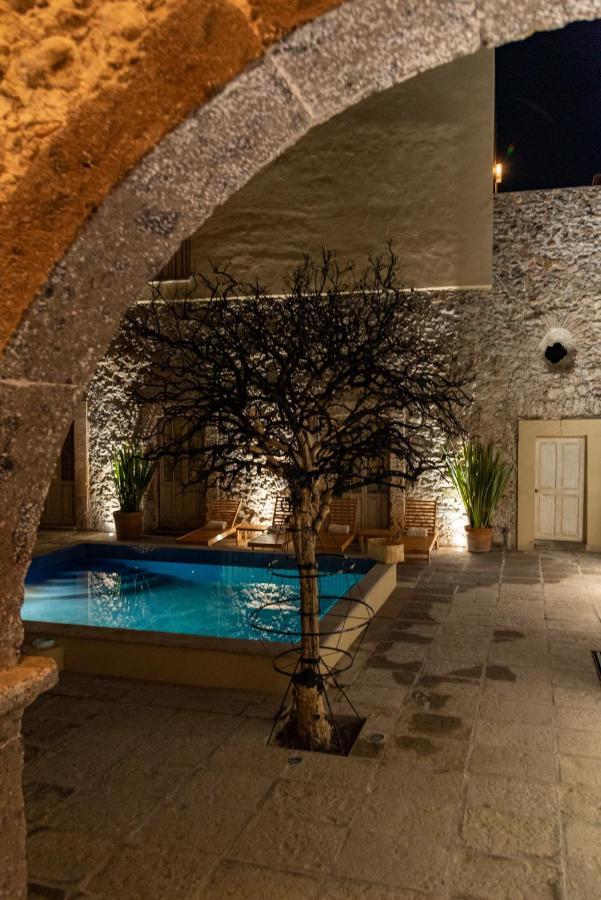 Hotel Nena Pool